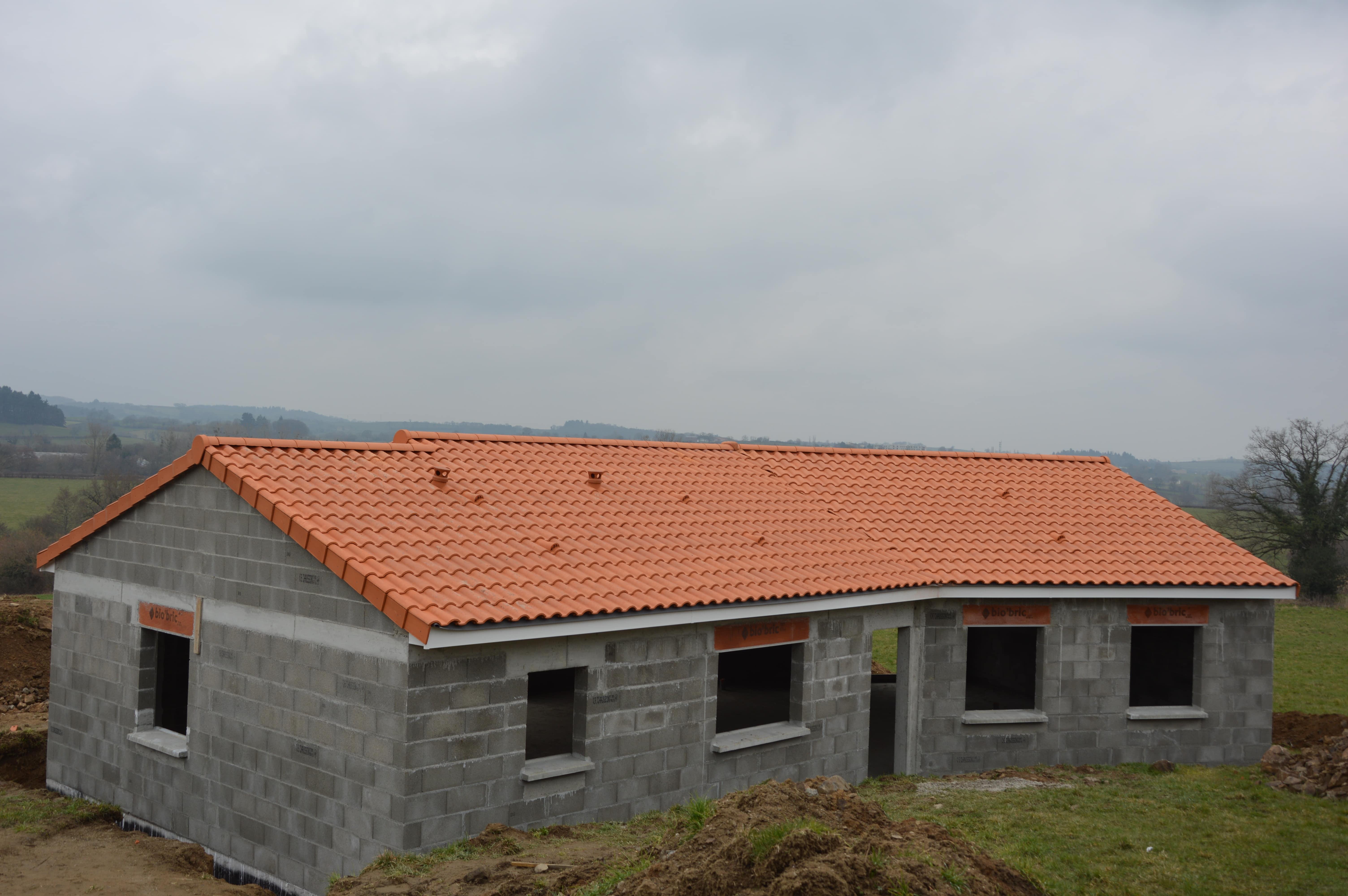 Maison individuelle en construction pionsat for Construction individuelle